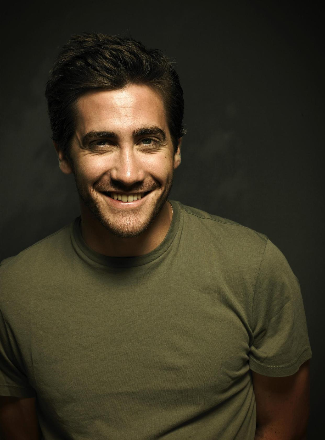 Jake Gyllenhaal royalty images - smiling (large)