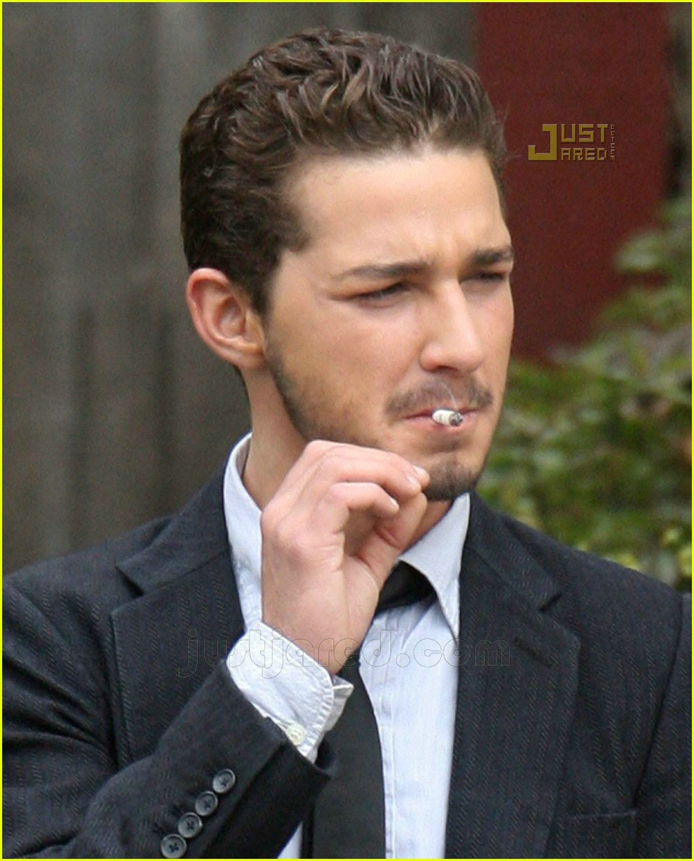 http://innerjoejoe.files.wordpress.com/2007/11/shia-labeouf-banana-break-05.jpg